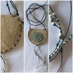 7 x 8 cm, Glasperlen auf Leder genäht, Baumwollbändel