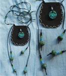 6.5 x 6 cm, Leder mit Fimoperlen, gewachster Baumwolle und Glasperlen