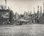 Die zerstörte Wartlaustraße 1945