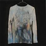 「obsession」 アクリル、色鉛筆、墨、パネルに綿布 69.7×69.7㎝