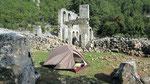 Camping at ruins of Alakilise