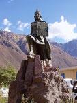 Inka Statue im Urumbaba-Tal, Peru