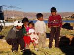 Uros-Indianer auf dem Titicacasee