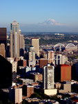 Seattle mit Mount Rainier, Washington, USA