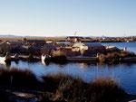 Uros-Siedlung auf dem Titicacasee