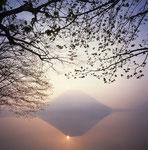 若葉黎明(榛名湖)