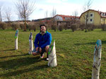 """Matthias Laurenz Gräff. Auftragsarbeit """"Hasenfamilie auf Baumstämmen"""", Freunde des Schubertparks, Gars am Kamp"""