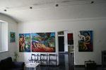 """Matthias Laurenz Gräff, Impression mit den Gemälden """"Garser Wein"""" in der Galerie Gars am Kamp"""