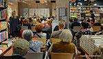 """Joesi Prokopetz präsentiert bei Thalia sein neues Buch mit dem Titel """"So weit. So komisch"""""""