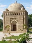 le mausolée des Samanides (IXème siècle) enfoui dans le sable jusqu'en 1934