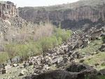 la vallée d'ilhara, à entrée payante mais c'est complètement justifié par 5 kilomètres de monastères troglodytiques