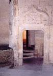 une porte de la mairie d'Arles
