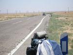 l'électricité aussi file vers le désert du Türkménistan