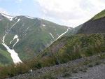 le sommet du Kaldama pass est là-bas (2995 mètres)