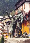 à Chamonix, Jacques Balmat indique le sommet du Mont Blanc à H.B. de Saussure