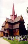 la stavkirke de Ringebu (il en reste une petite trentaine qui n'ont pas encore brûlé depuis le VIIIème siècle)