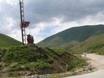 la route en terre de Talas qui monte du Kazakhstan