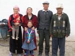 mon hôte de Kosh Döbö et sa famille