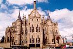 le palais épiscopal d'Astorga (imaginé par Antoni Gaudi)