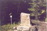 anciennes bornes-frontière de province