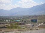 l'arrivée sur Maku, ville azerbaïdjanaise de la république islamique d'Iran