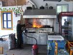 Dimitris grillt