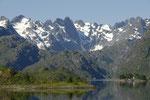 an dieser Stelle fährt die Hurtigrute in den schmalen Trollfjord ein