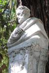 Estatua de Bécquer