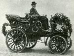 Österreichischer Daimler Motoren Gesellschaft, erster in Wiener Neustadt gefertigter Wagen, 1900, Viersitzer mit Zweizylindermotor 4HP