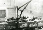 Abtransport zur Vernichtung der restlichen Flugmotore gemäß dem Vertrag von St Germain 1919