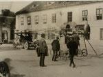 Etrichs Renntaube verlässt das Daimlerwerk in Wr. Neustadt.