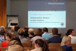 Im Zentrum des Vortrags stand die Förderung des Textverstehens in allen Fächern. Foto: Ulrichs