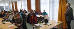 Professor Dr. Gerhard Kreutz diskutierte mit den Referendaren über die Ursachen für das geringe Interesse an Ingenieurwissenschaften in Ostfriesland.