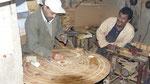 Essaouira : ébénistes sur racines de thuyas
