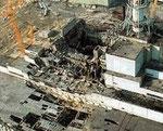 Décombres de la centrale de Tchernobyl suite à la catastrophe de 26/04/1986