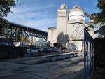 Zementfabrik mitten in der Stadt