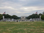 hinten das Lincoln Memorial...