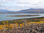 Haines Hwy - Ausblick auf den Dezadeash Lake