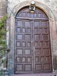 ...hinter solchen Türen verbergen sich die schönsten Gärten...