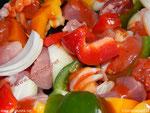Zarahzetas Lebenskunst mit Paprikagemüse und Schweinefleisch