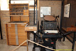 """Exposición de  maquinas de imprenta  en  San Miguel de los Reyes  """"un antiguo Monasterio de los Jerónimos"""". Se encuentra a las afueras de la ciudad, en el antiguo camino de Barcelona """"hoy Avinguda de la Constitució""""."""