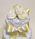 """Торт из памперсов """"Кружевные пинетки"""" Лимонный крем . Подарок новорожденному мальчику или  девочке."""