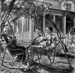 Adélard, Paul et Rock Aubry à Rivière-aux-Chiens au chalet de Jules Canac-Marquis
