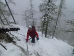 Marsch zu den Kletterern durch Schnee