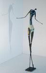 Stehende in Blau, Höhe 40 cm