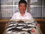 7月25日 ダゴチン釣りで中林さん チヌ40㎝を頭に7匹 バリ・アジ・アジゴ
