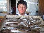 8月29日 ボート釣りで岩本兄弟 キス25㎝を頭に57匹