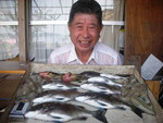 8月31日 ダゴチン釣りで中林さん メイタ33㎝を頭に7匹 ハタ2匹 タコ2匹