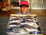 5月5日 ダゴチン釣りで森さん 良型チヌ45㎝~30㎝・8匹