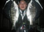 4月3日 磯釣りで桑原さん チヌ40㎝前後を2匹